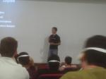 Luke Crouch dando palestra de Sourceforge
